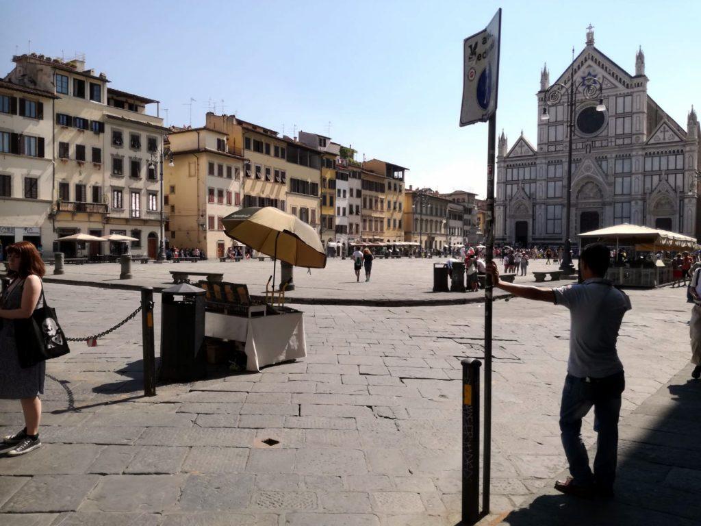 Banco Roberto in Piazza Santa Croce Firenze